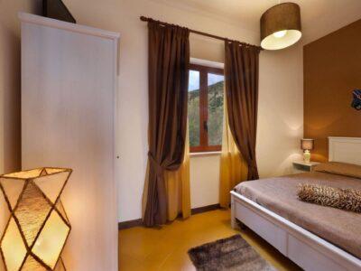 the-brown-bedroom_HD_villa_marianna_amalfi_coast